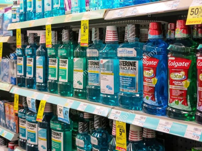 bottles-of-mouthwash-in-oral-hygiene-section-cvs-drugstore-usa-DY578M